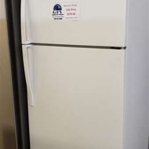 WHITE 18.2 CU FT FRIDGE